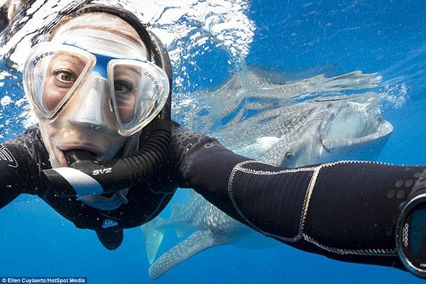 На камеру SJ4000 можно снимат под водой и в воздухе