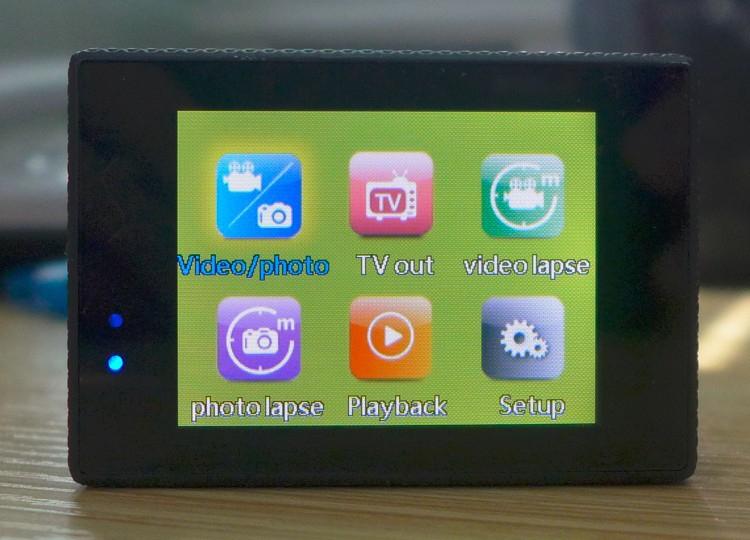 SJ5000 имеет удобный LCD экран диагональю 2 дюйма